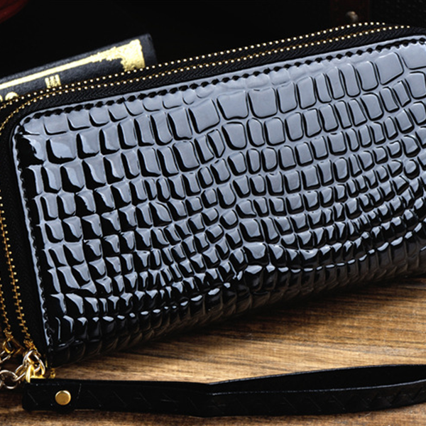 Crocodile Skin Texture Double Zipper Wallet