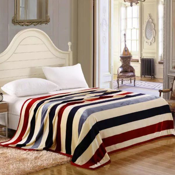 Bedroom Essentials Printed Thin Blanket - Colorful Lines
