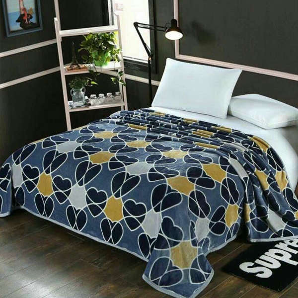 Bedroom Essentials Printed Thin Blanket - Hearts
