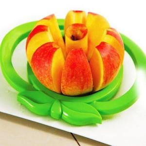 Easy Quick Apple Slicer Kitchen Tool - Green