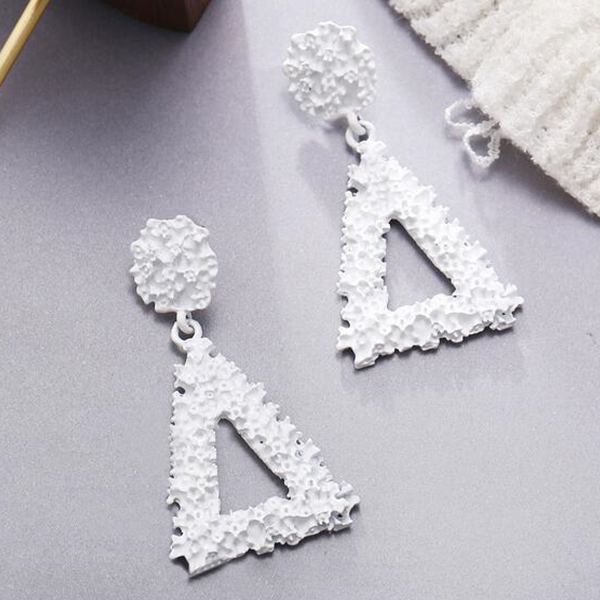 Mesh Textured Triangle Party Wear Earrings - White
