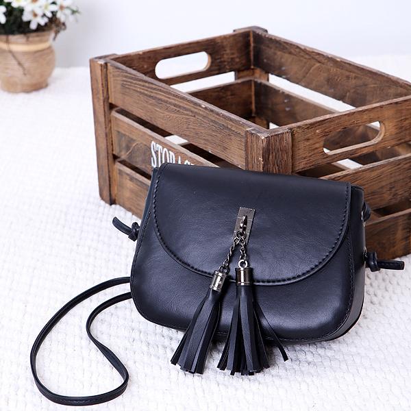 Tassel Decorative Round Flap Messenger Bags - Black