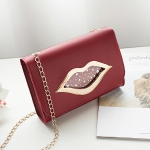 Lip Hollow Clap Chain Strapped Messenger Bag - Red