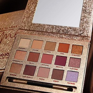 Glittered Fifteen Pieces Luxury Palette Box