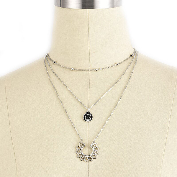 Silver Plated Rhinestone Engraved Chain Pendant