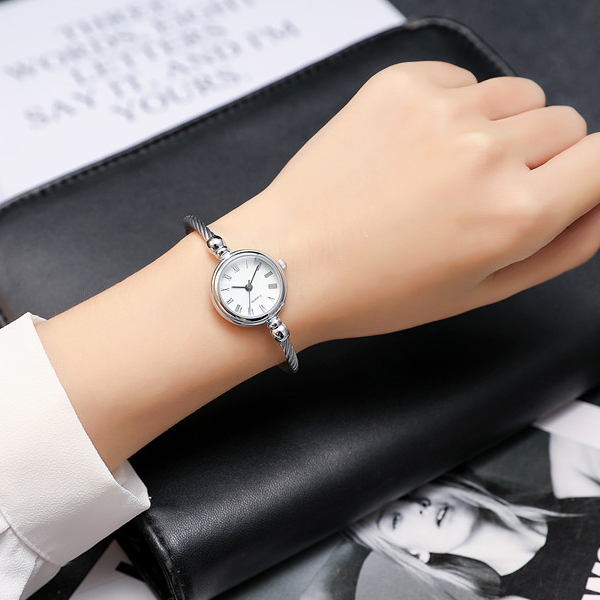 Metal Rope Roman Dial Bracelet Wrist Watch - White