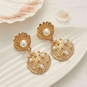 Shell Pearl Wedding Wear Elegant Earrings Pair