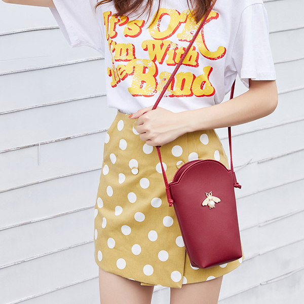 Cone Shaped Bee Pearl Shoulder Bag - Burgundy