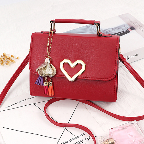 Heart Patched Closure Tassel Messenger Bags - Black