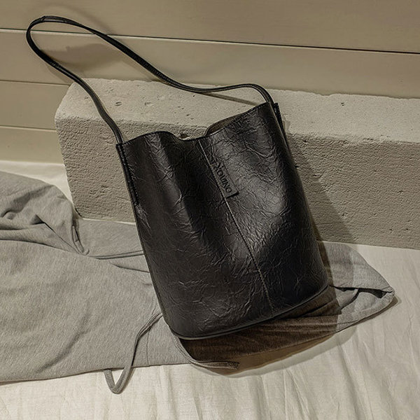 Magnetic Lock Leather Zipper Bucket Bags - Black
