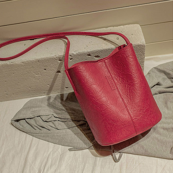Magnetic Lock Leather Zipper Bucket Bags - Red