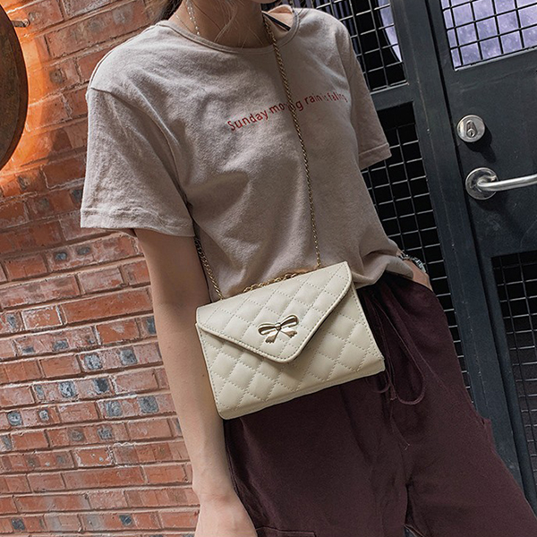 Stitched Patchwork Chain Strap Messenger Bags - White