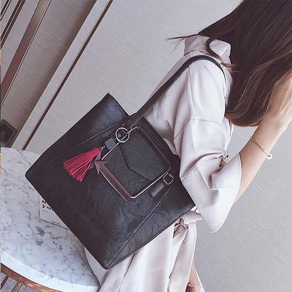 PU Leather Wide Space Black Shoulder Bag