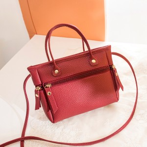 Zipper Closure Leather Textured Shoulder Bags - Red