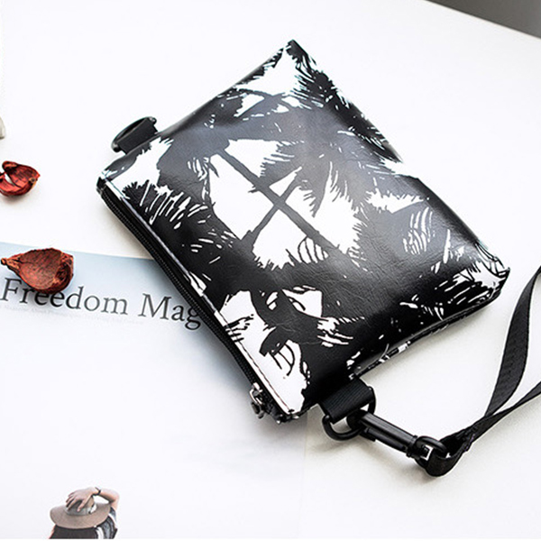 Leaves Printed Black Strappy Messenger Bags - Black