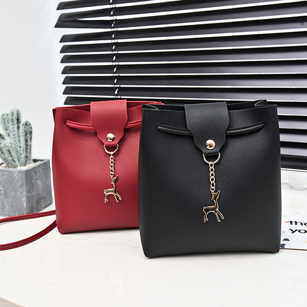 Deer Hanging PU Leather Shoulder Bags - Black