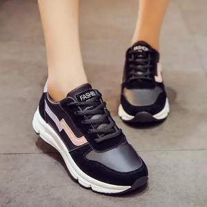 Sports Two Contrast Lace Up Sports Shoes - Black