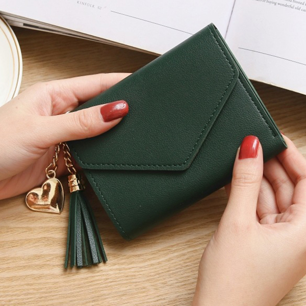 Tassel Heart Synthetic Leather Wristlet - Green