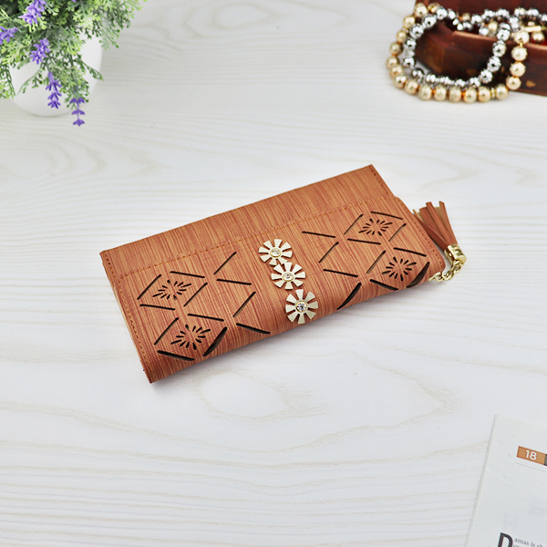 Flower Cut Out Hollow Money Wallet - Brown