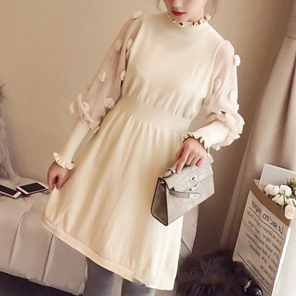 Beautiful Lantern Sleeves Wavy Neckline Dress - White