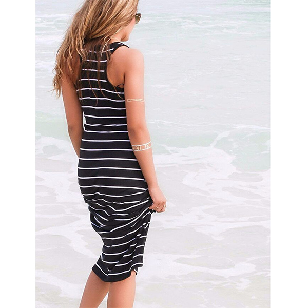 Scoop Neck Stripes Maxi Dress - Black