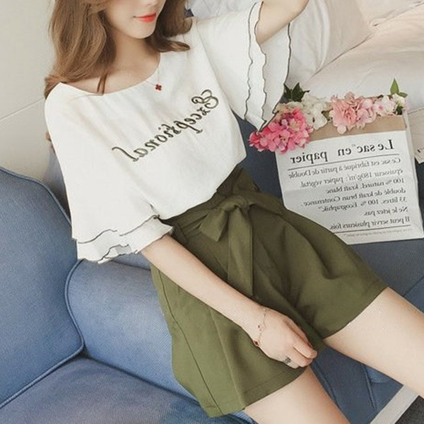 Text Prints Summer Blouse With Mini Shorts - Green
