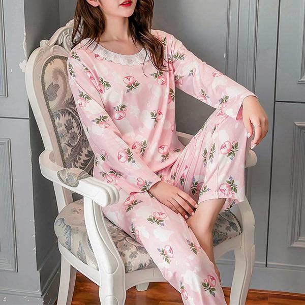 Flowers Printed Soft Cloth O Neckline - Light Pink