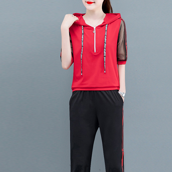 Sports Wear Two Pieces Hoodie Neck Suit - Red