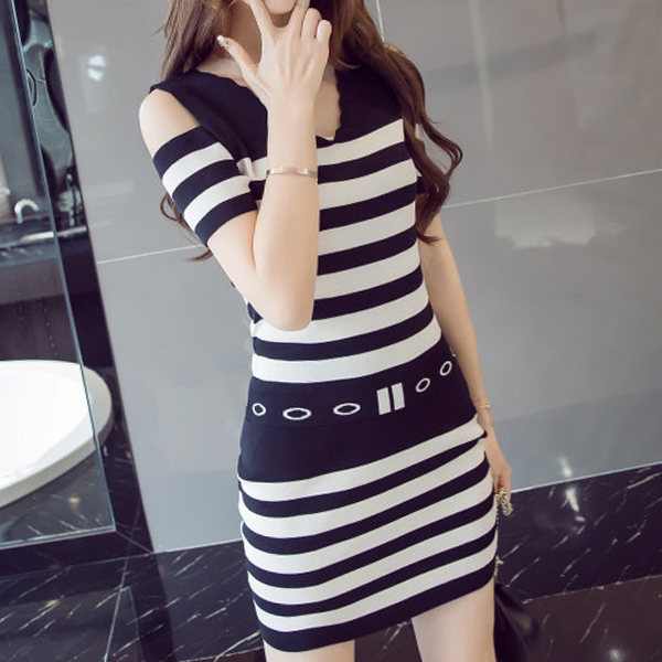 Cold Shoulder Wavy Neck Striped Two Pieces Suit - Black