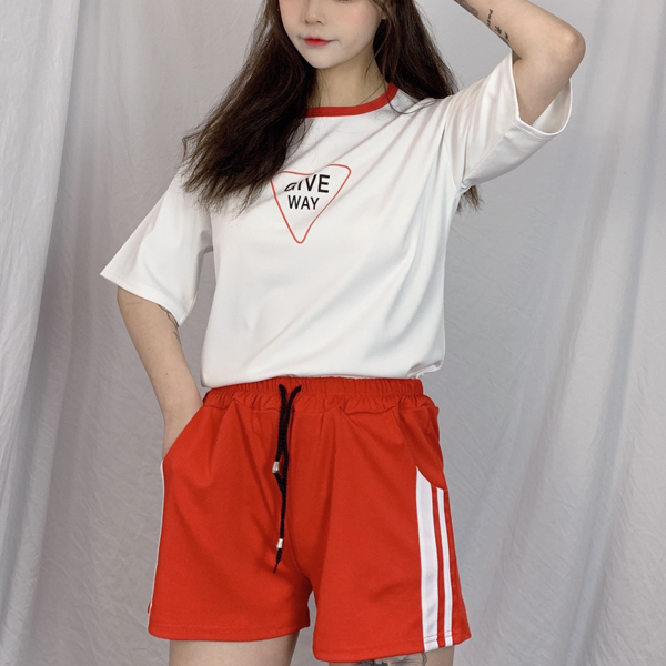 Two Pieces Loose Wear T-Shirt With Shorts Bottom - Red