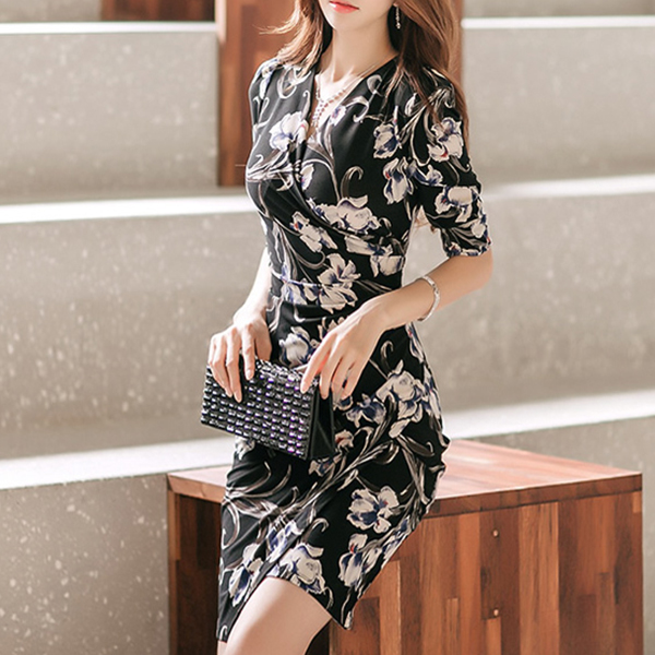 V Neck Floral Print Half Sleeves Mini Dress