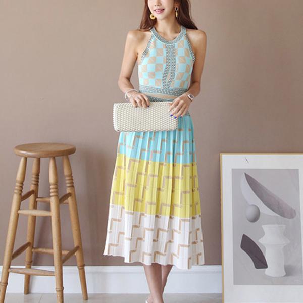 Geometric Prints Pleated Halter Neck Mini Dress