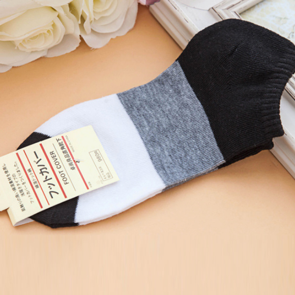 Colorful Contrast Five Pieces Casual Socks Pair