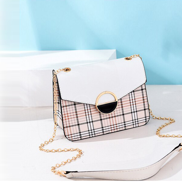 Check Prints Contrast Magnetic Closure Bags - White