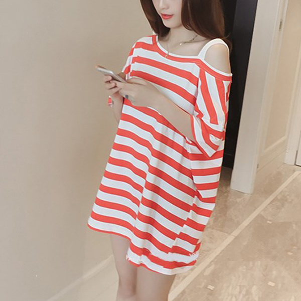 Cold Shoulder Striped Loose T-Shirt Dress - Red