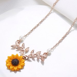 Sunflower Leaves Design Chain Necklace - Rose Golden