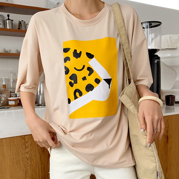 Digital Prints Cheetah Round Neck Loose T-Shirt - Khaki