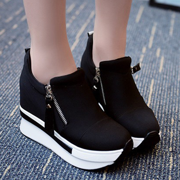 Thick Bottom Zipper Closure Sneakers - Black