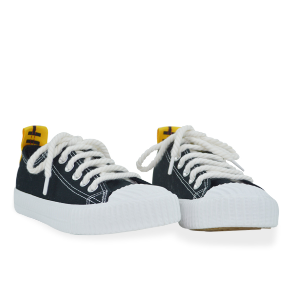 Stylish Casual Black And White Sneakers For Women