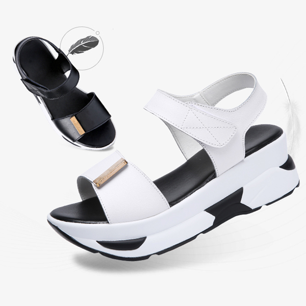 Leather Muffled Thick Bottom Casual Shaking Sandals Black