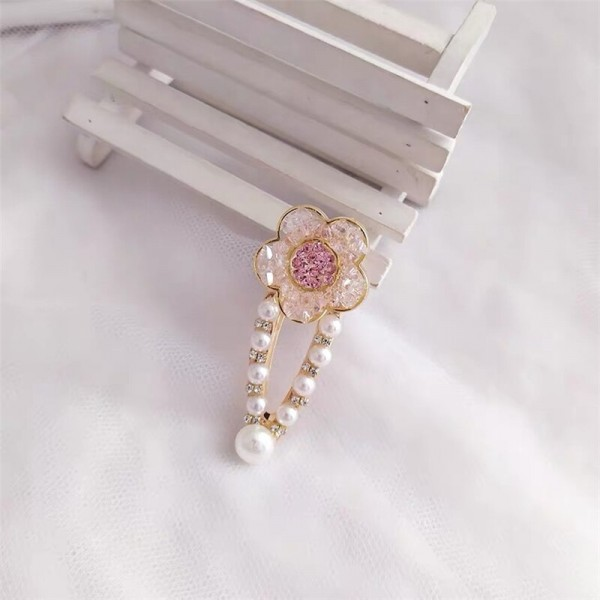 Floral Shaped Pearl Special Occasional Head Wear Clips - Pink