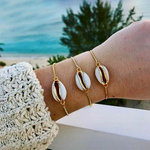 Gold Plated Chain Shell Patched Bracelet