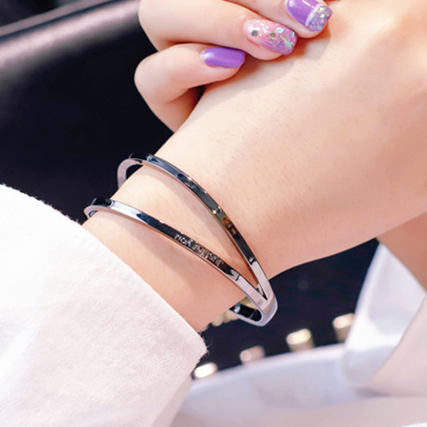 Creative Mold Silver Plated Wrist Bangle