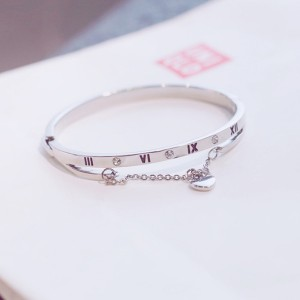 Chain Crystal Heart Buckle Closure Bracelet - Silver