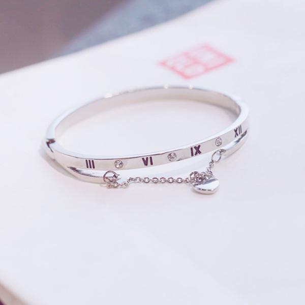 Chain Crystal Heart Buckle Closure Bracelet - Silver