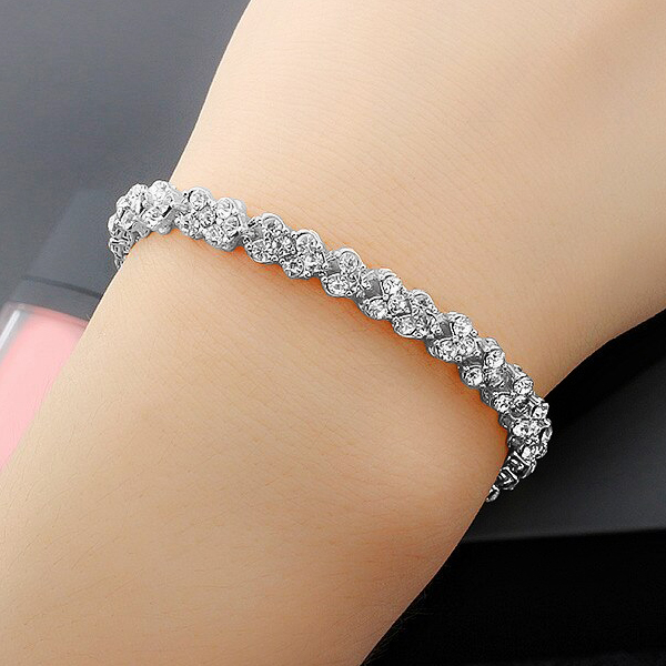 Heart Shaped Crystal Decorated Chain Bracelet - Silver