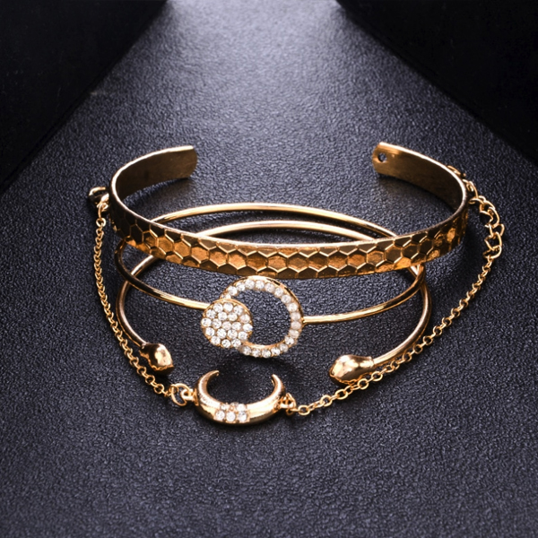 Four Pieces Gold Plated Bangles Bracelet Set - Golden