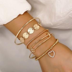 Vintage Gold Coins Heart Pendant Women Bracelet - Golden