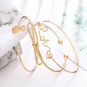 Three Pieces Engraved Bangle Bracelets Set - Golden