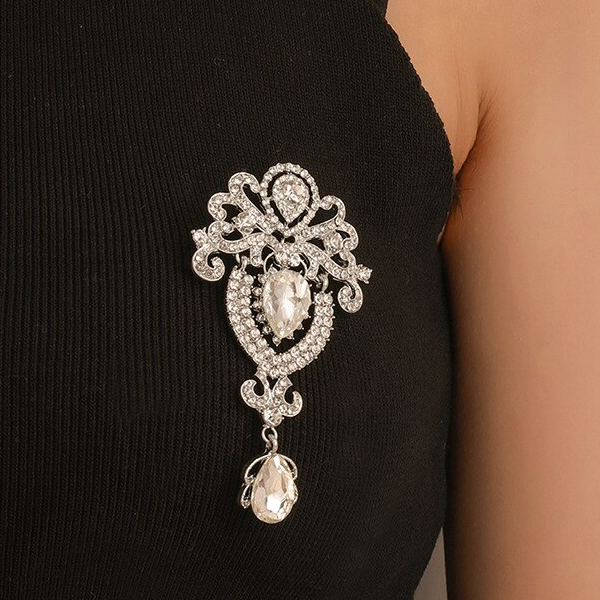 Vintage Crystal Decorated Party Wear Clothing Brooch